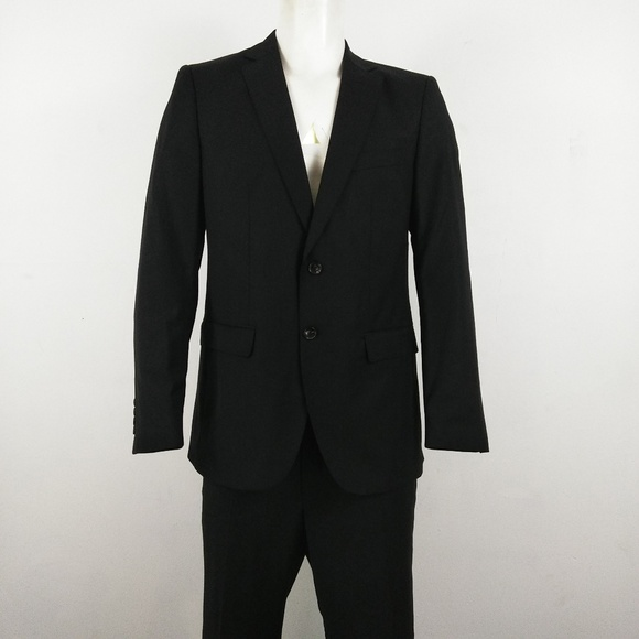 newest 9bc6c b99aa Zara Man men s black 2 button suit size 42. M 5b7ca667951996f5d1f718e4